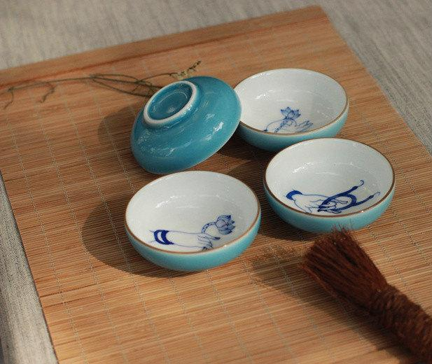 4 Hand-Drawing Oriental Vintage Style Pattern Blue And White Ceramic Tea Cup Jingdezhen Color Glaze Porcelain Teawares