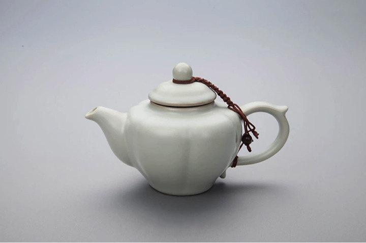A Complete Set Of Portable Ru Porcelain Tea Sets Premium And Treasure Tea Pot Experence China Tea Ceremony
